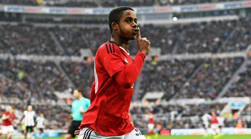 Ryan Sessegnon is first choice left back target