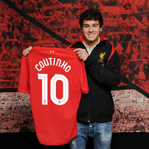 Phillipe Coutinho arrives as LFC's new number 10.